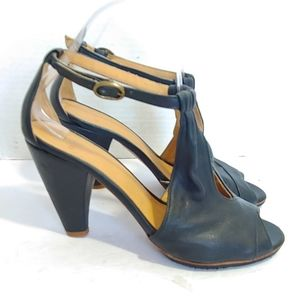Coclico cross T strap heels